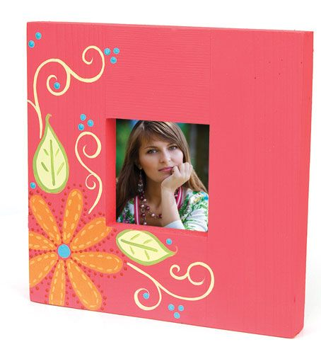 Square Floral Frame project from DecoArt