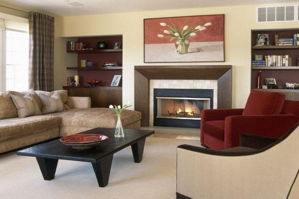 Große Einfache Wohnzimmer Mit Kamin Mehr auf unserer Website - grose wohnzimmer bilder