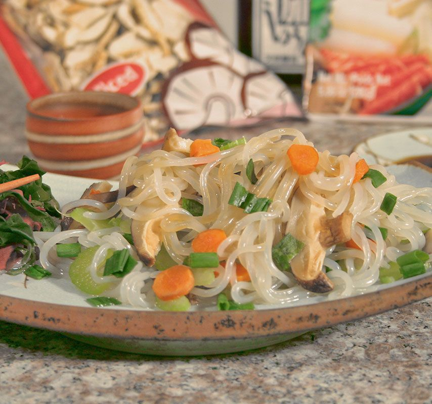 0 CALORIE NO CARB ALTERNATIVE TO PASTA SHIRATAKI NOODLES SATISFIES THOSE CRAVINGS WITH OUT THE GUILT..