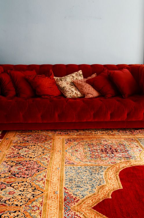 Love The Rich Colors Of This Carpet Amp Sofa Red Couch