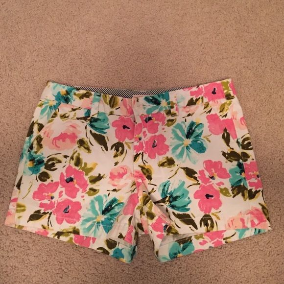 Floral shorts Adorable floral shorts! Super comfy! Merona Shorts