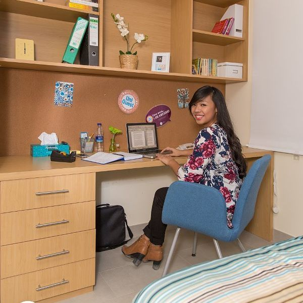 Exceptionnel All Of Uninestu0027s Rooms Are Designed With A Study Table And Chair. A Place  For