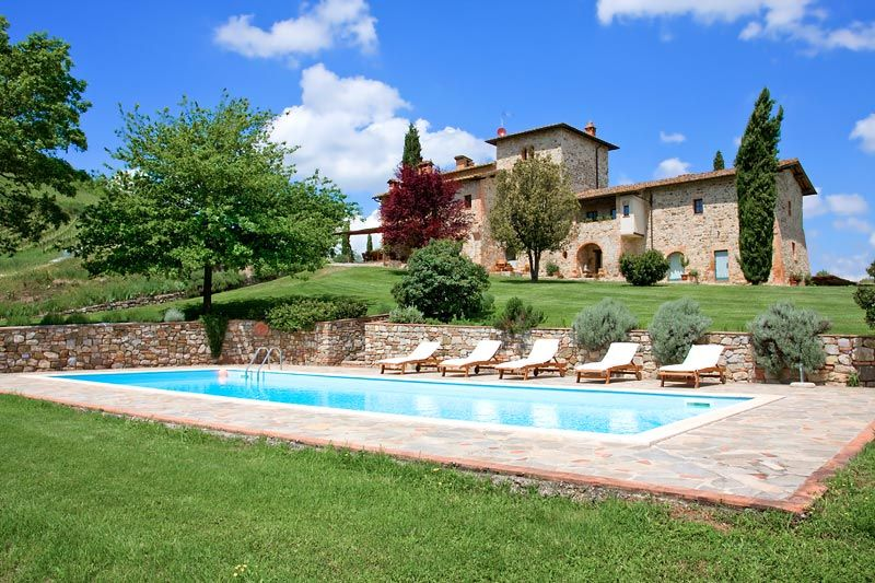 - Villa Il Cerretaccio  9b/8b 20 minute drive to Siena 50 minute drive to Florence and golf course