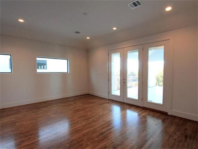307 Peden, Houston Property Listing - Capital Classic Homes