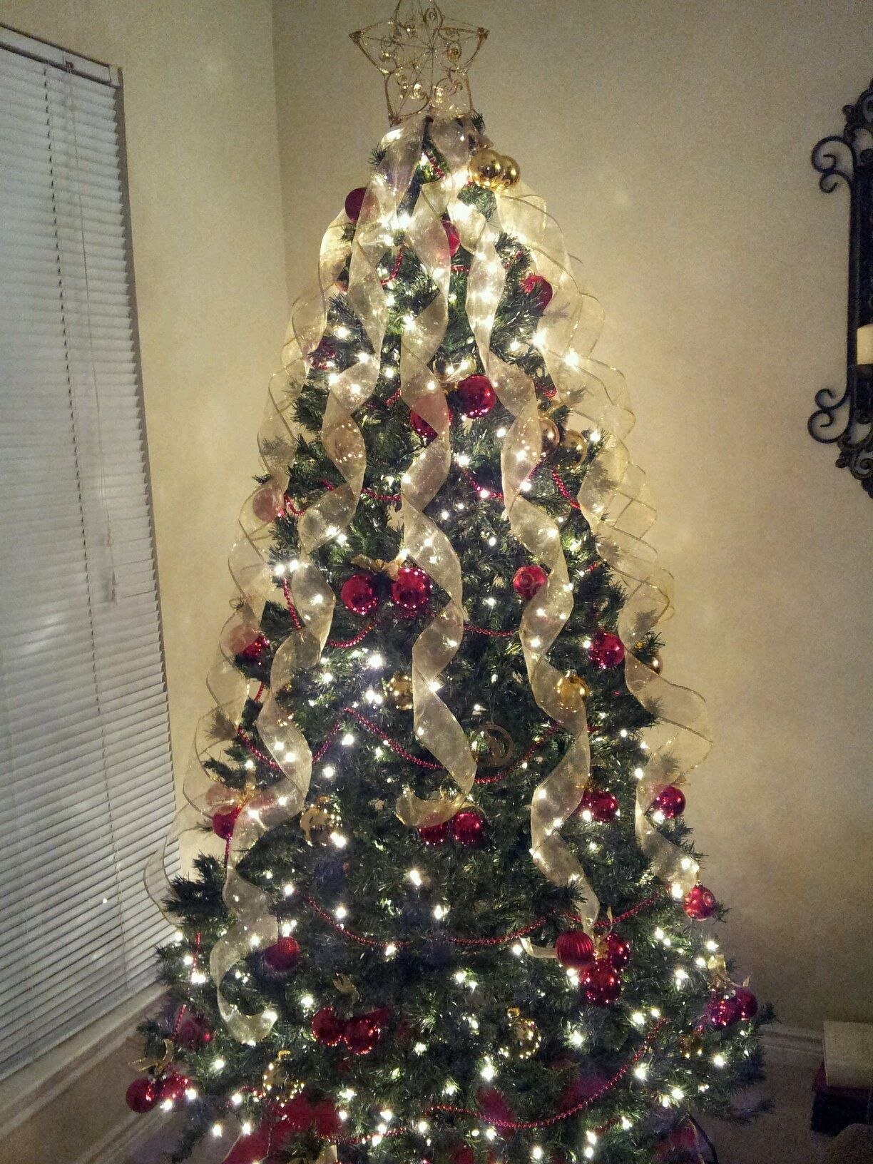Christmas tree ideas red gold Simple Ribbon on