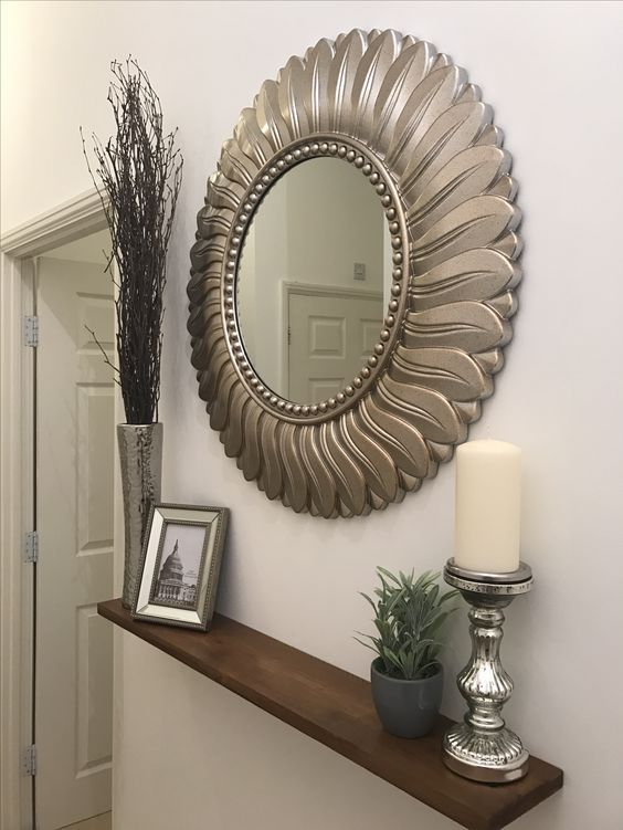 Mirror with wooden walnut spheres en 2019 decoraci n for Aterrizaje del corredor de entrada deco