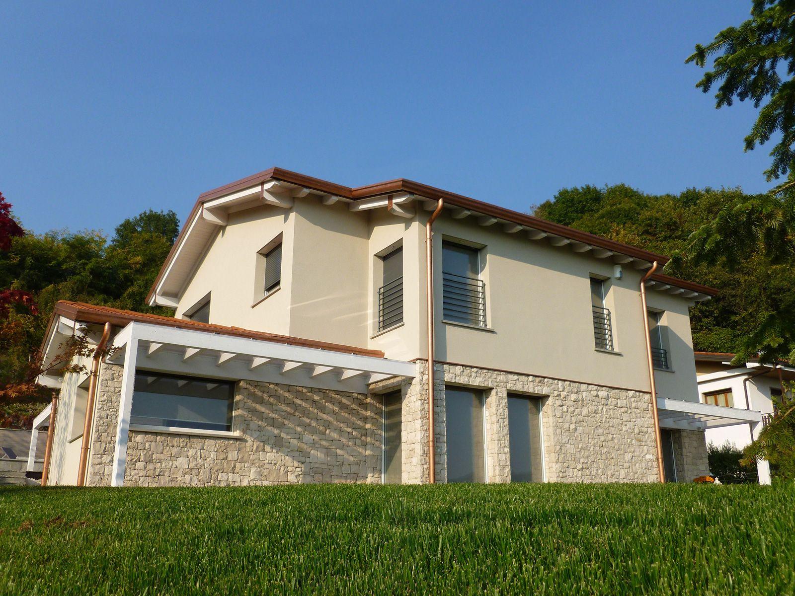 Villa in legno stile classico caprino bg nel 2019 for Tipi di abitazione
