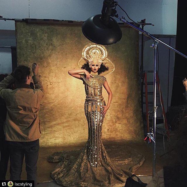 Gorgeous BTS @lscstyling!! Repost @lscstyling: #bts @4seasonstylemgt @laureldewitt @repostapp. ・・・ Did some cool stuff for @canonusa and @lindsayadler_photo last week. #gold #setdesign #iviejoyflowers @grisellemua @lscstyling @oliphantstudio Added by us: #behindthescenes #backstage #studiophotography #profoto #fashion #model #fashionphotography #setlife #famousbtsmagazine #famousbtsmag