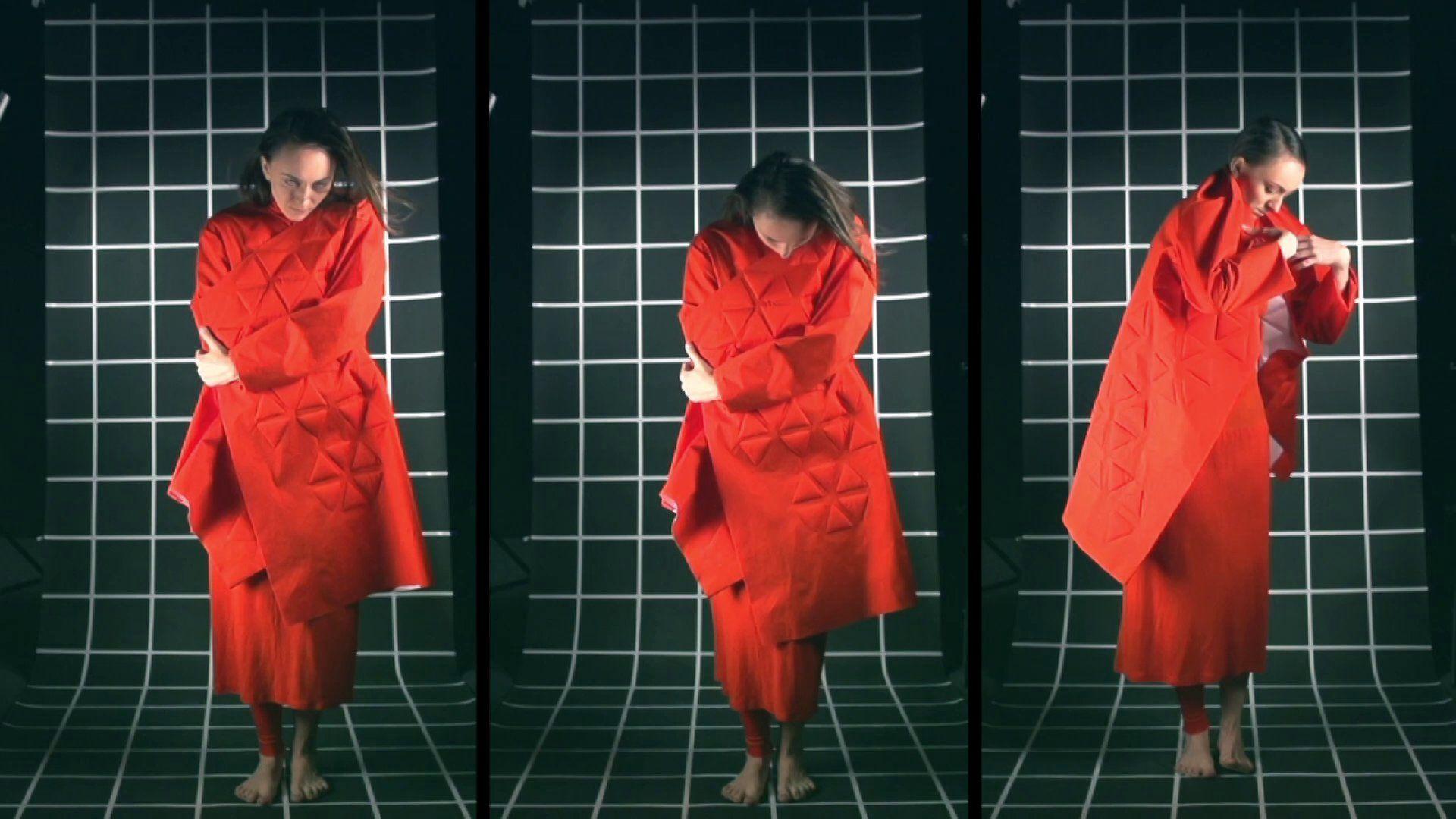 Fashion film de Cuerpo Inminente, indumentaria inteligente por Daniela Toledo, 2014.
