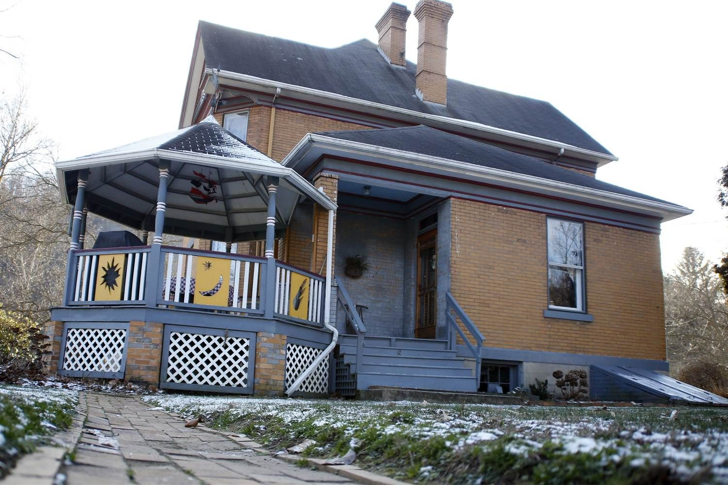 Pa. couple struggles to sell Silence of the Lambs house