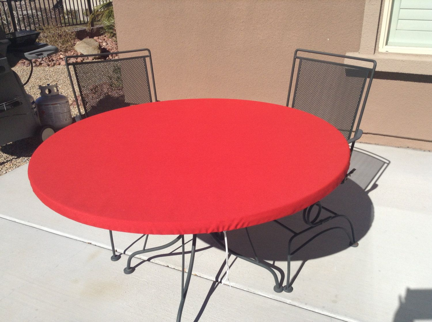 Round Outdoor Fitted Tablecloth Soil And Stain Resistant Etsy Table Cloth Outdoor Table Covers Fitted Tablecloths
