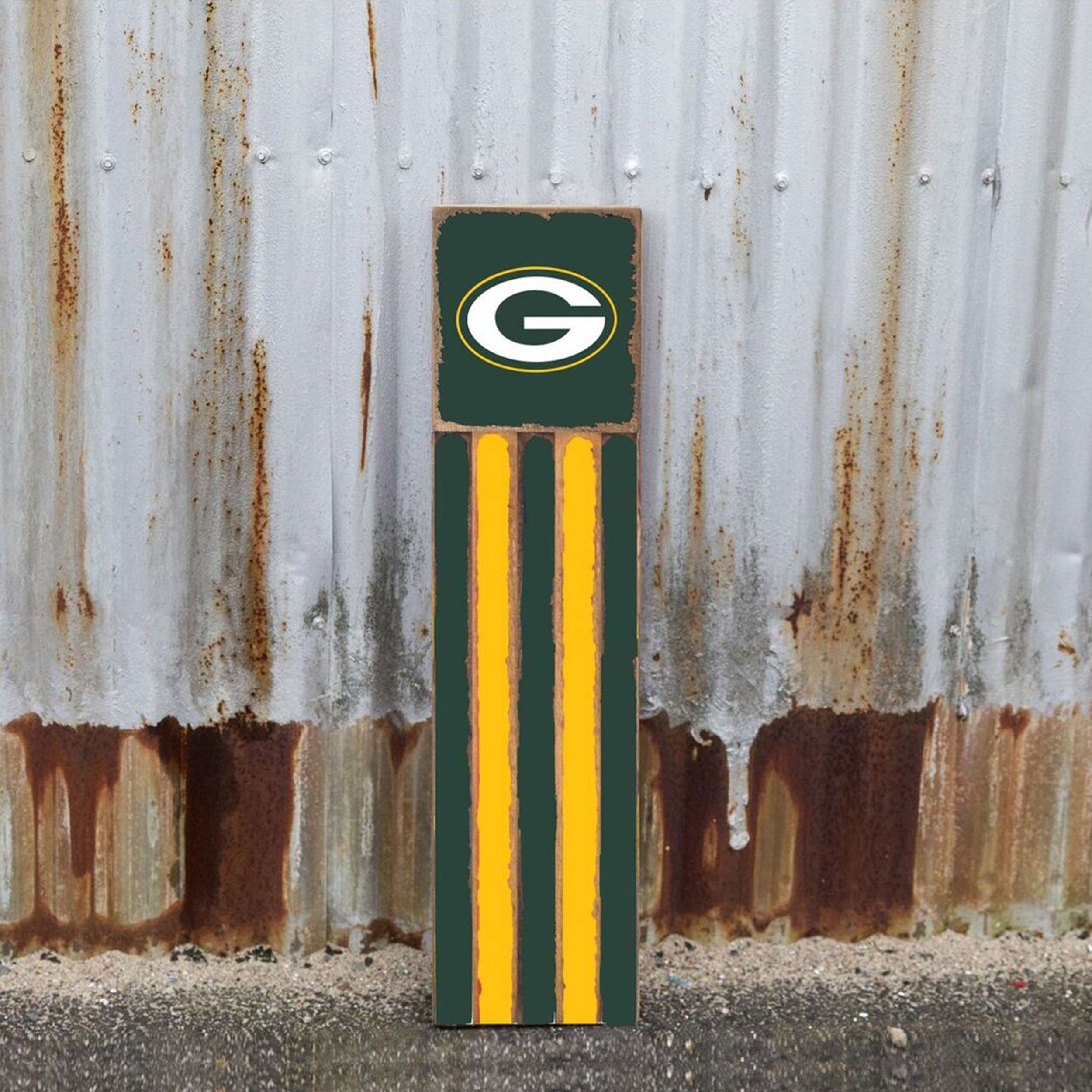 Green Bay Packers Vertical Team Flag Wooden Tree Branch Wall Decor Barn Quilt Patterns Barn Quilt