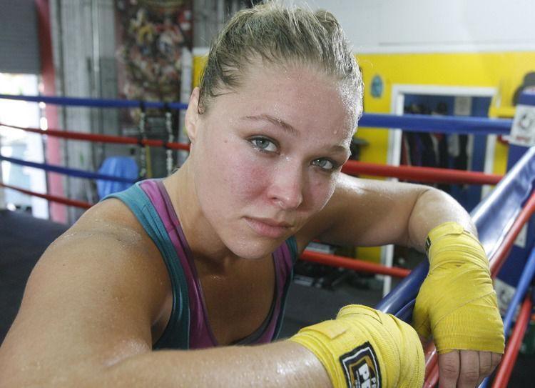 Résultats de recherche d'images pour «ronda workout sweating»