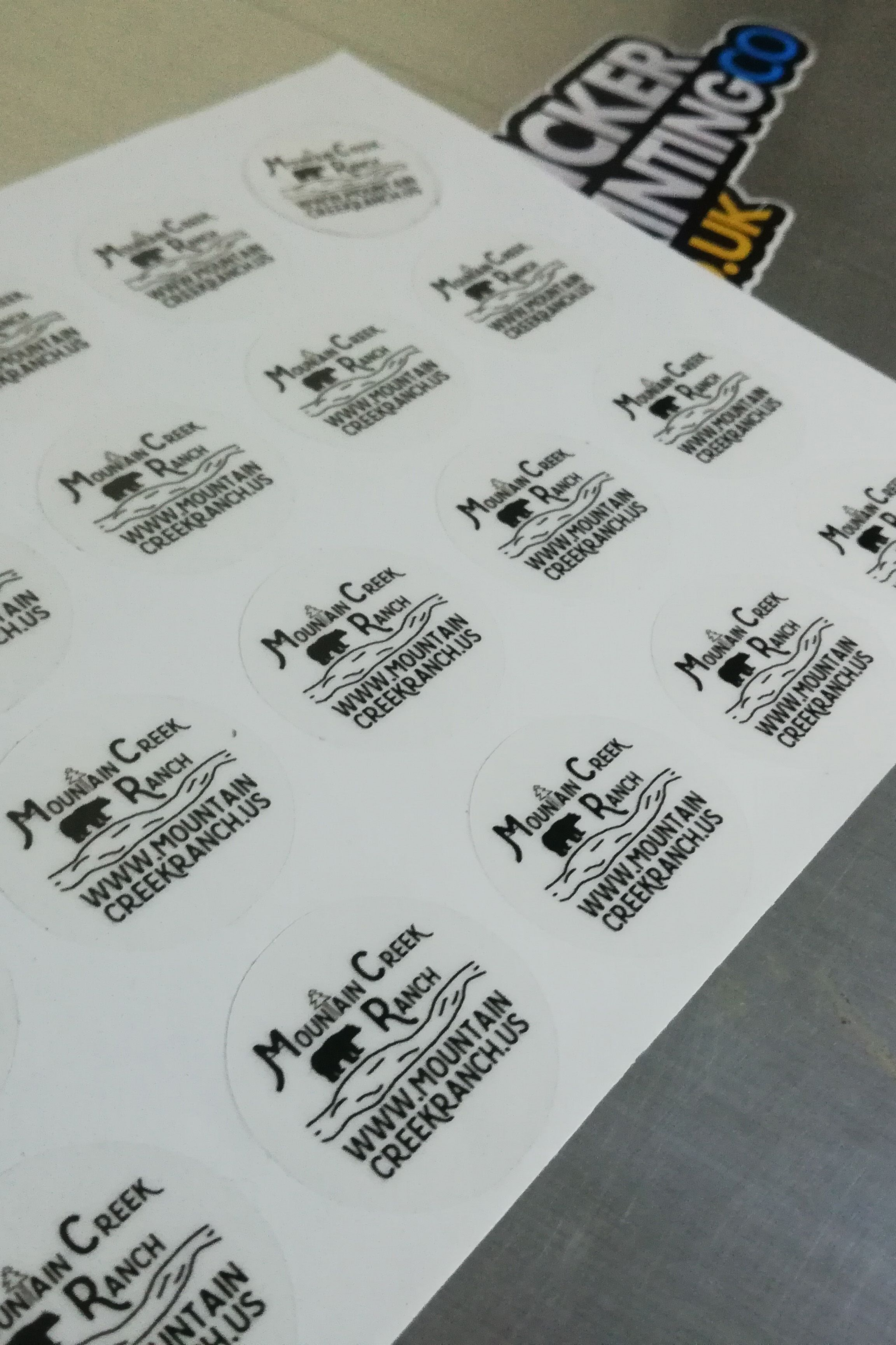 Order transparent sticker printing in uk with cheap sticker printing company