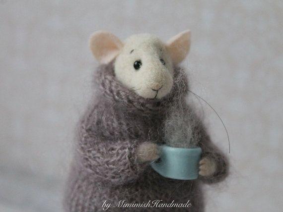 Nadel Gefilzte Mouse Maus mit Cup Nadel von MimimishHandmade #needlefeltedanimals