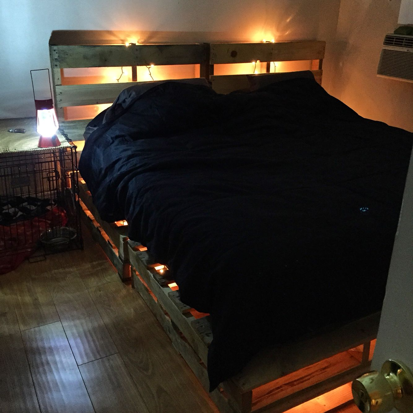 California King Pallet Bed Frame With String Lights