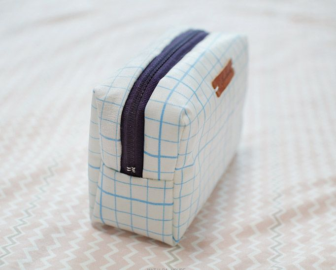 Small Make Up Bag Waterproof Fabric Case. Zip Pouch. Sewing Tutorial ...