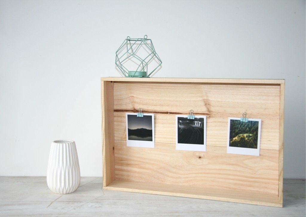 Sur un meuble ou accrochée au mur, votre cadre pour exposer vos tirages rétro saura s'imposer dans votre déco !