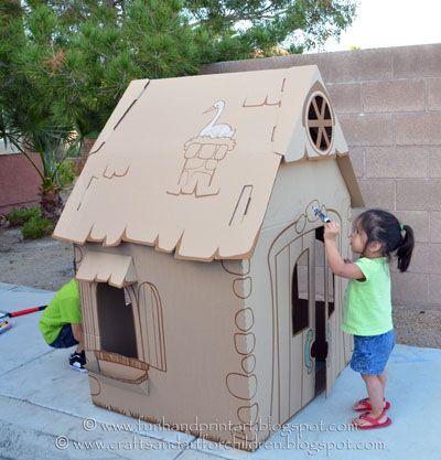 Casita de cartón • DIY cardboard playhouse