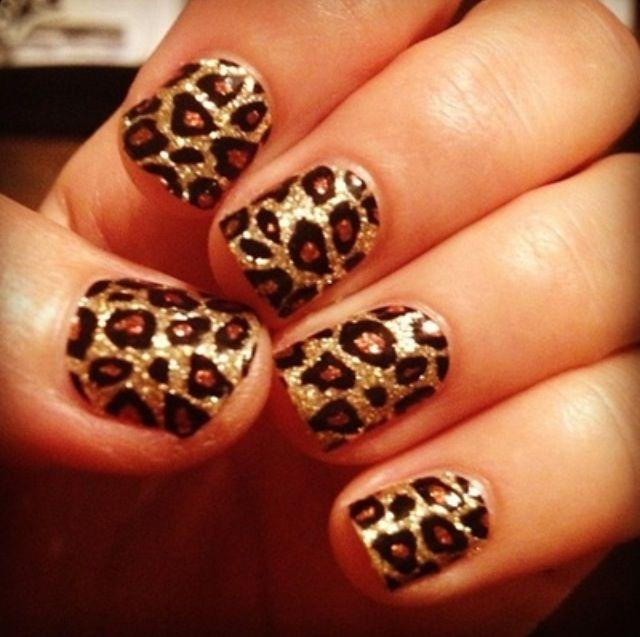Leopard print on Gold glitter | NAIL\'D IT | Pinterest | Gold glitter ...