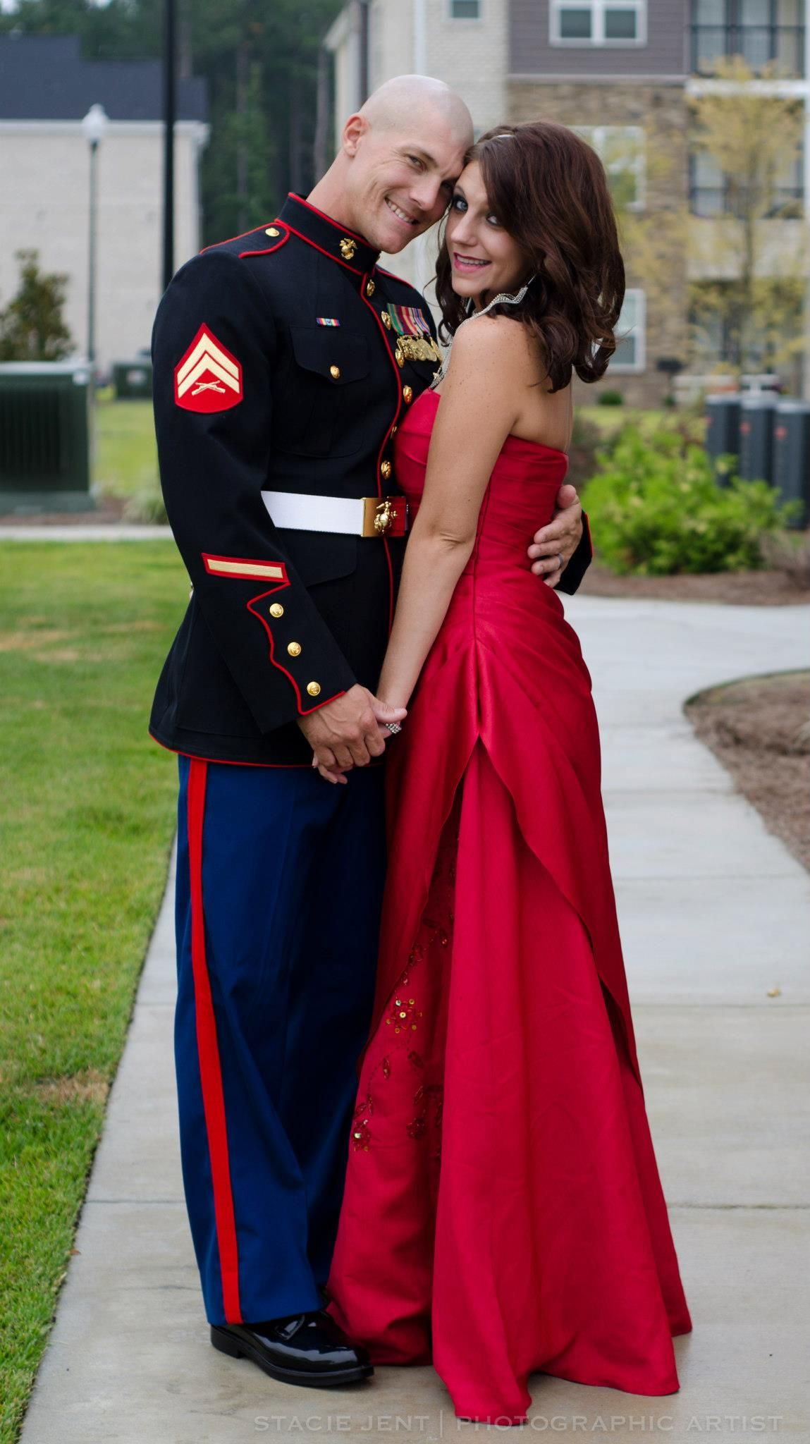 I love the way the red dress looks with the dress blues | Marine ...