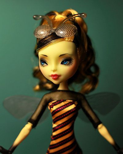 CAM Bee Girl by armeleia
