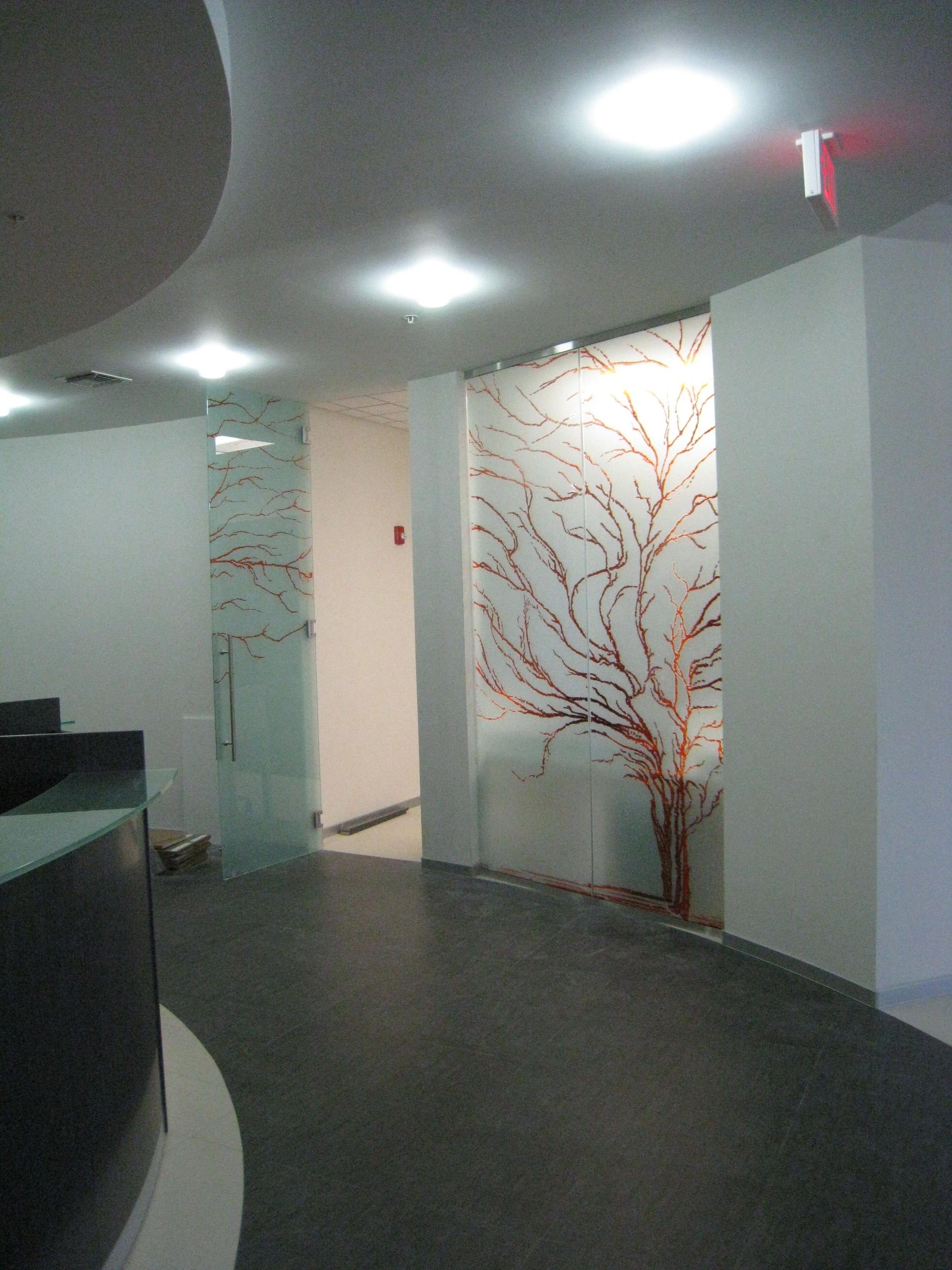 casali porte in vetro, sabbiata e incisa, modello albero @casaliav ... - Porte In Vetro Scorrevoli Per Interni Casali