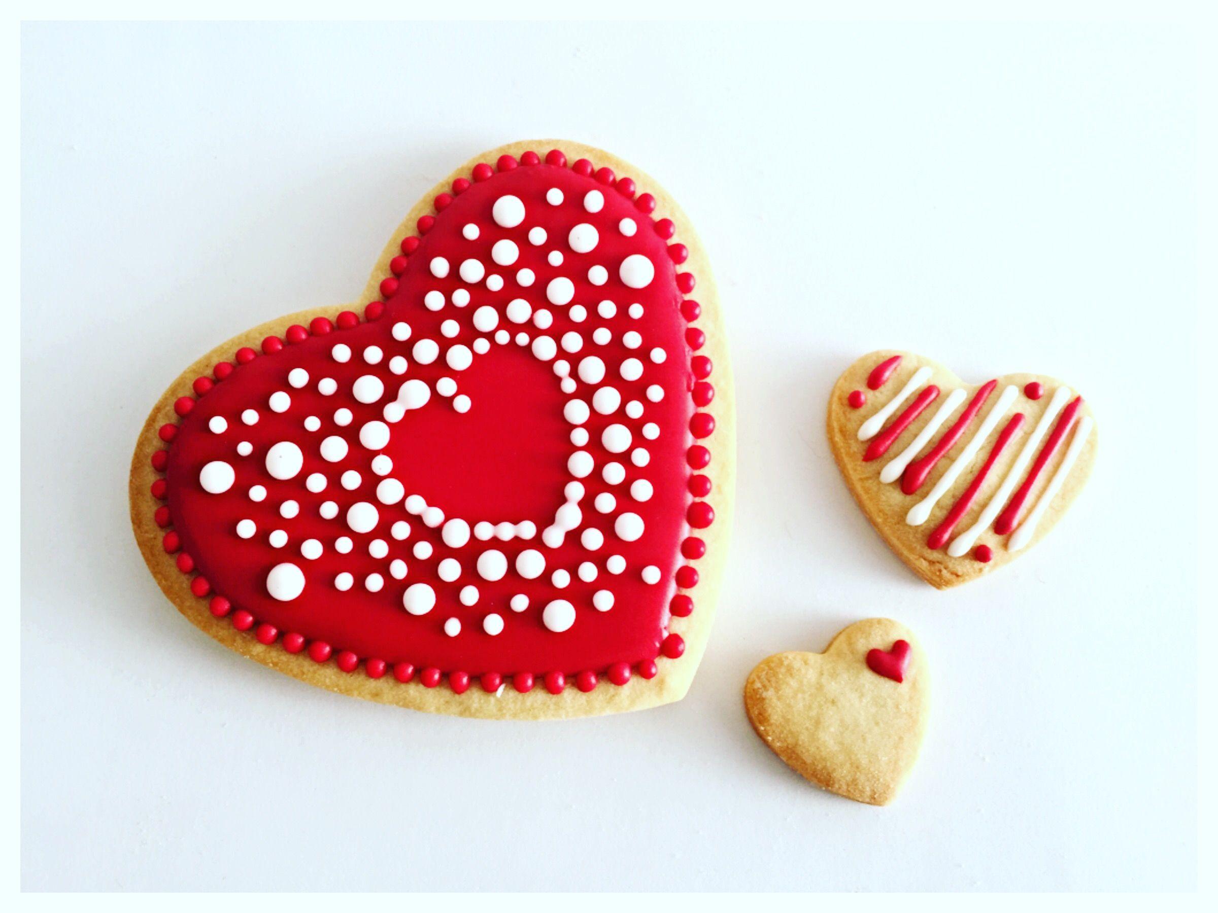 Galleta de corazón ❤️, un diseño lindo para alguien especial  , galleta de mantequilla decorada...feliz día de san Valentín #love #cookies #beaking #friends #hechoamano #felizfindesemana #happyweekend #delicious #mexico #coloradadelicia #happyvalentines #me #cookiegram #cookielove #galletas #galletasdecoradas #cookie