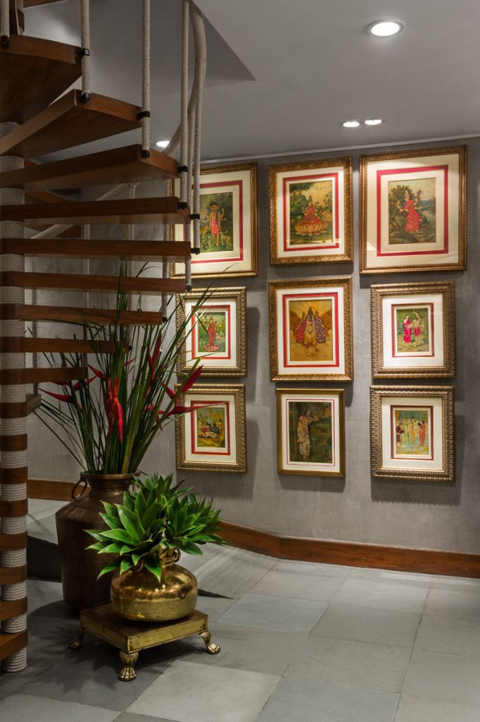 The #frame #gallery wall looks great and the plants along the spiral ...