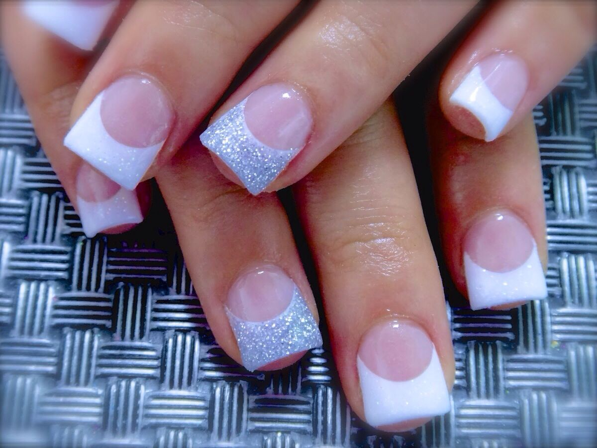 Sparkle Nails White Acrylic Nails White Gel Nails Cute Nails