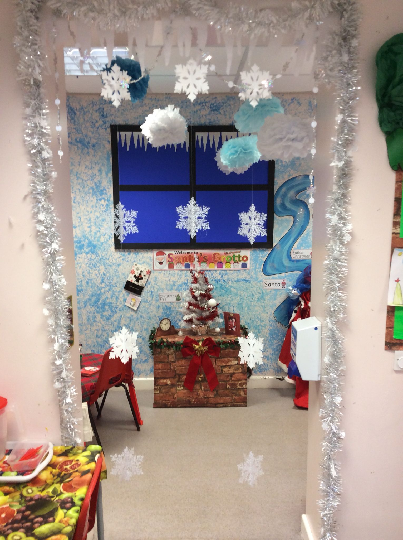 Santa s grotto role play area EYFS January craft