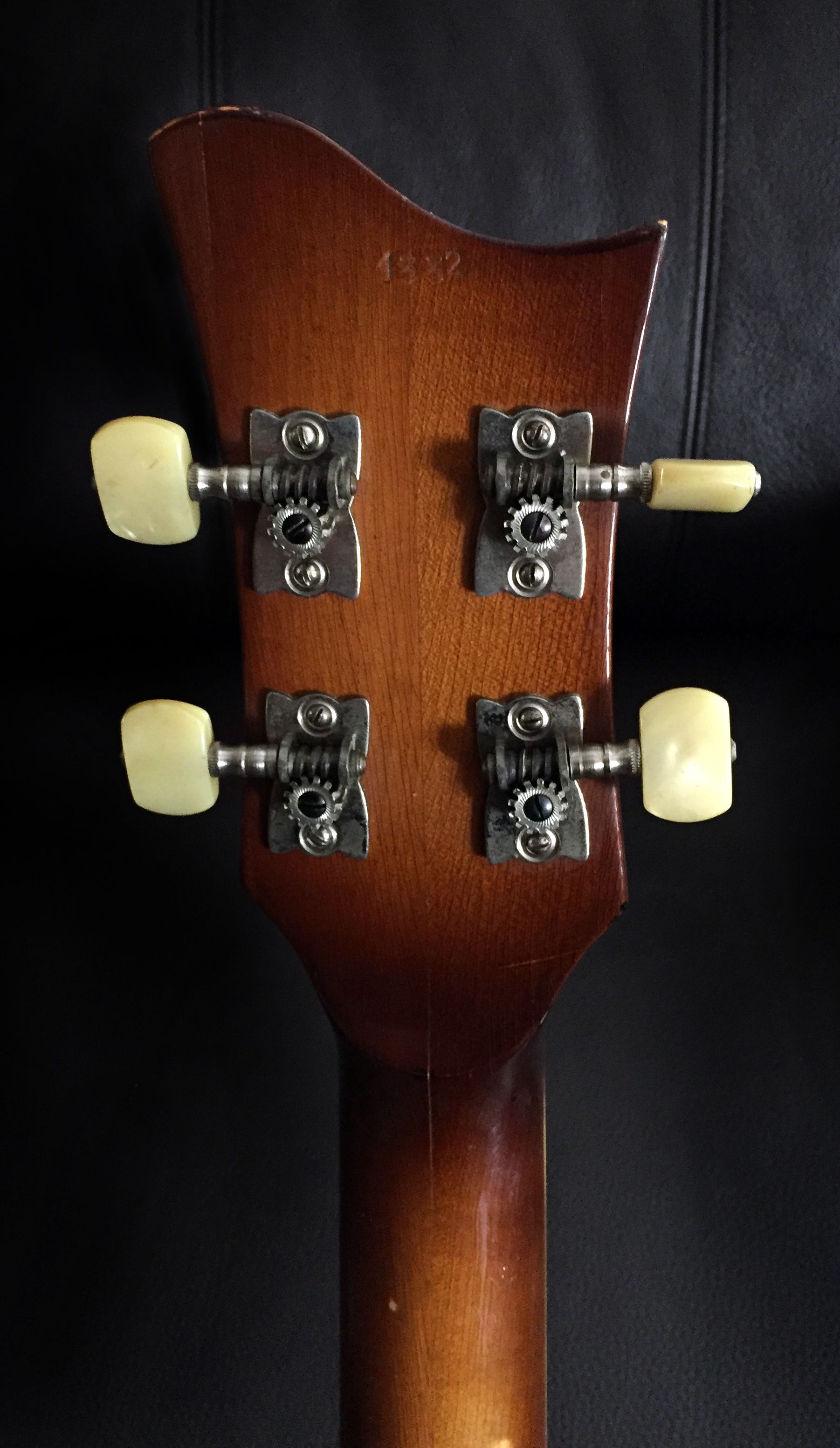 Original 1964 Hofner 500 1 Violin Beatle Bass From Selmer Uk Showing The Back Of The Headstock And Two Piece Neck Selmer The Originals Musical Instruments