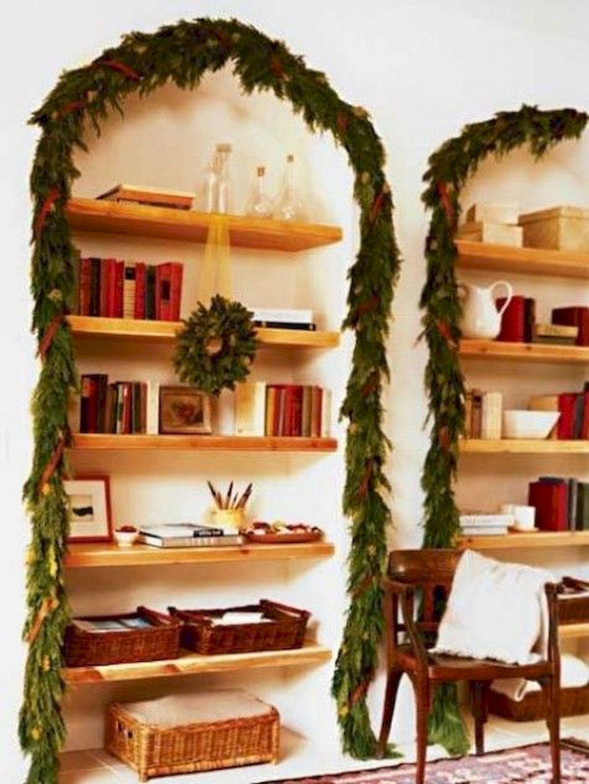 Awesome Christmas Bookshelves Decoration Ideas Https Hajarfresh Com Christmas Bookshelves Decoration Ideas Christmas Bookshelf Decor Bookshelf Decor