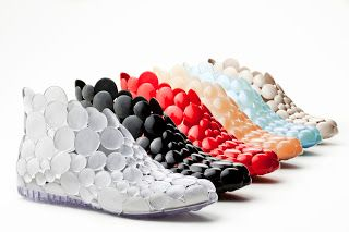 Melissa x gaetano pesce do it yourself shoe weird shoes and melissa x gaetano pesce do it yourself shoe disneyrollergirl solutioingenieria Gallery