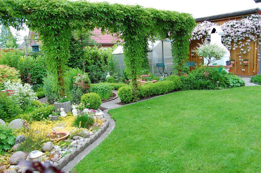 wein im garten, pergola mit wilder wein. - bilder und fotos | gardenİng | pinterest, Design ideen