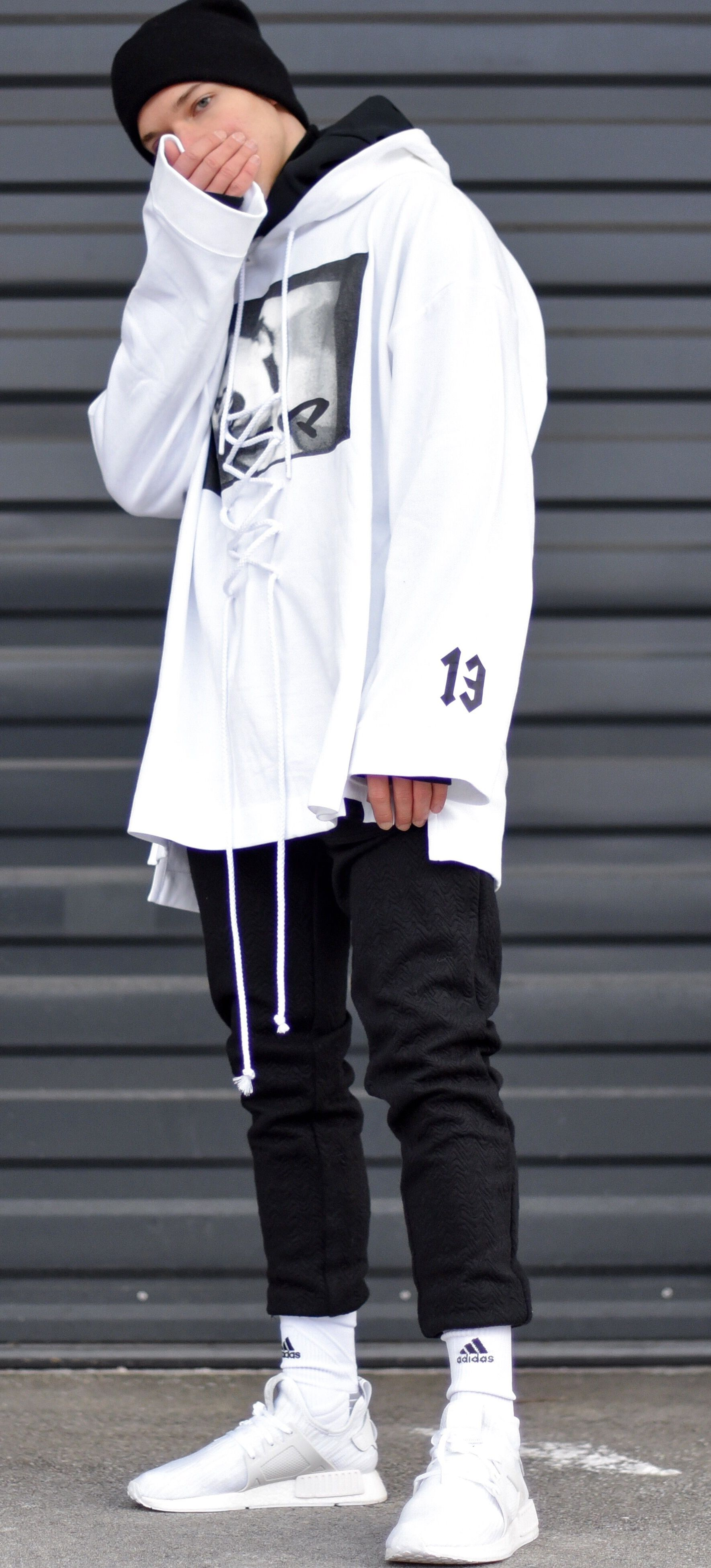 fine white hoodie outfit 16