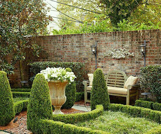 Co co 39 s collection formal garden elevates small space nola i 39 m in the conservatory - Garden in small space collection ...