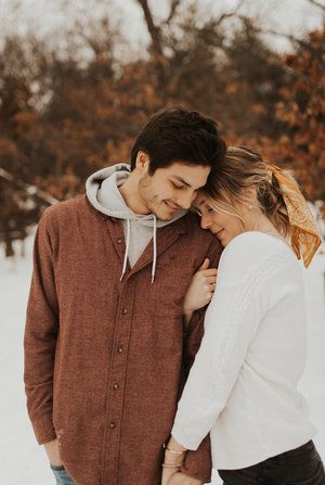 Michigan winter engagement photo session #couplephotography #couple #photography