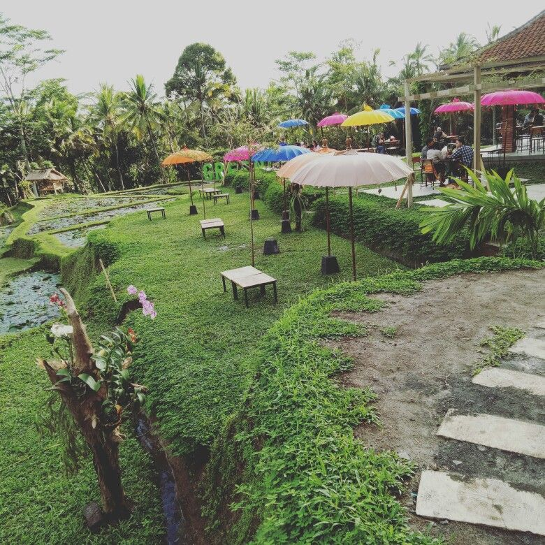 Green Kubu Resto Is Located In Jalan Cinta Ubud Nice Resto Nice View Yummy Food Affordable Price And Friendly Staff Stop By And See It By Yoursel Indonesia