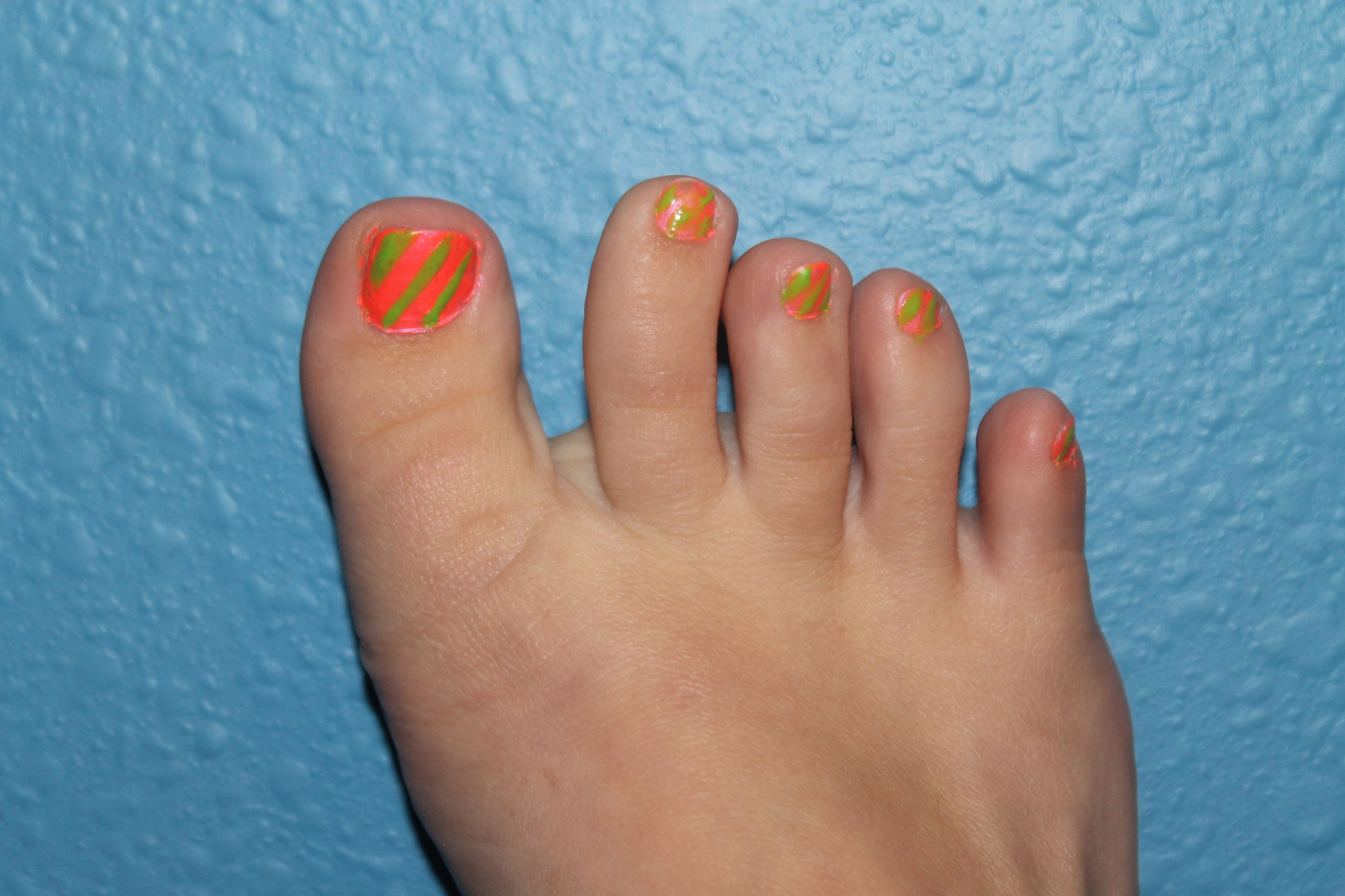 Week 9: Funky toes!!! Paint background and use thin brush to paint ...