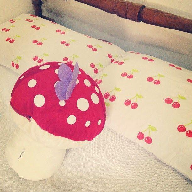 Dona das Coisinhas: Customizando a roupa de cama com carimbos