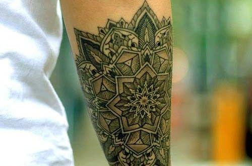 tatouage homme avant bras bracelet tatouage homme avant. Black Bedroom Furniture Sets. Home Design Ideas