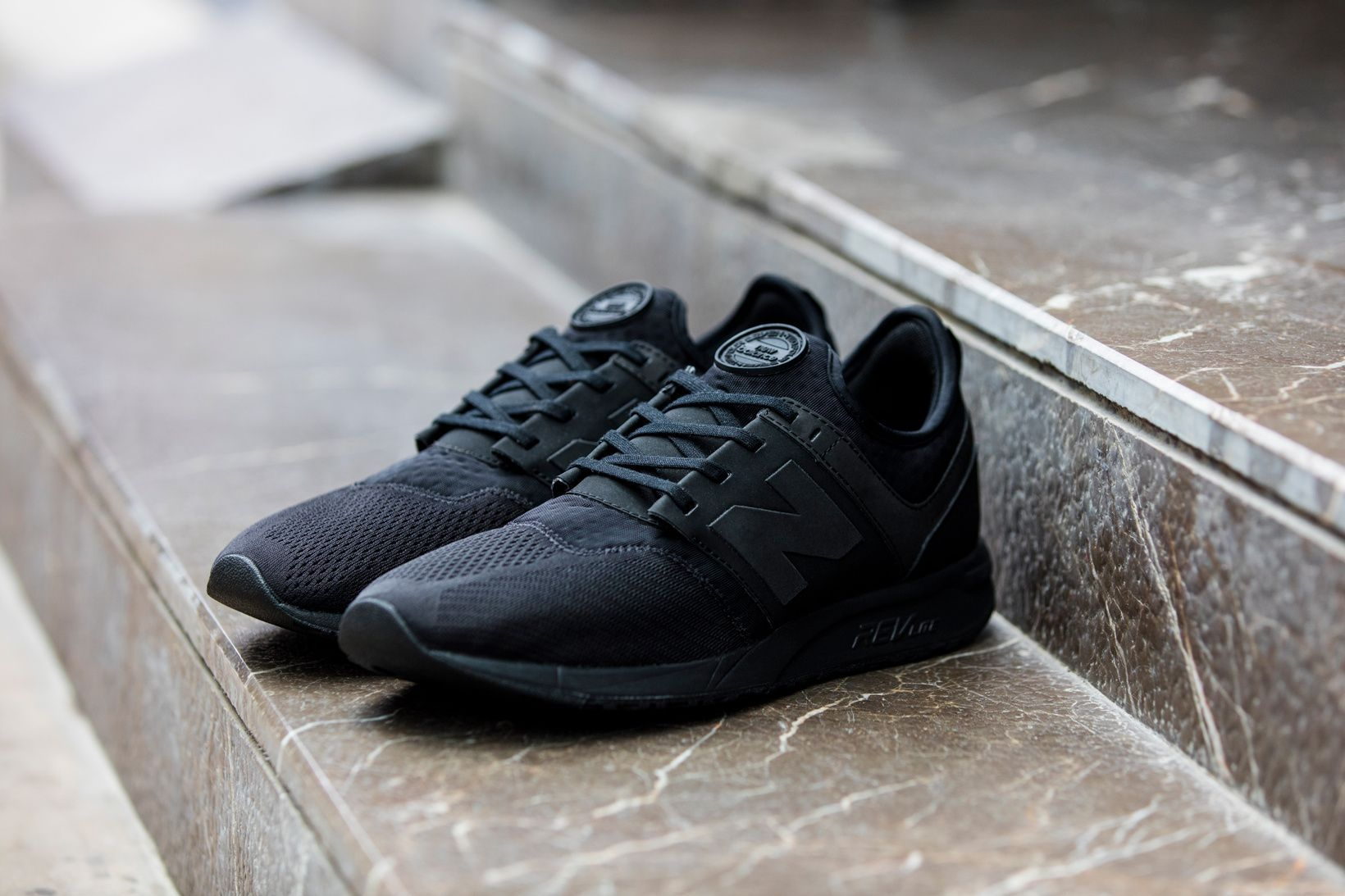 new balance 247 triple black