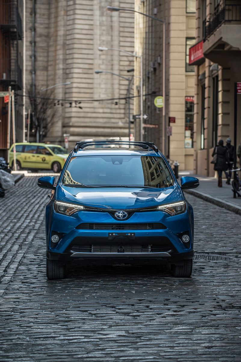 Toyota Dealership Nyc >> Driving Through Nyc Is An Easy Task With The Rav4hybrid