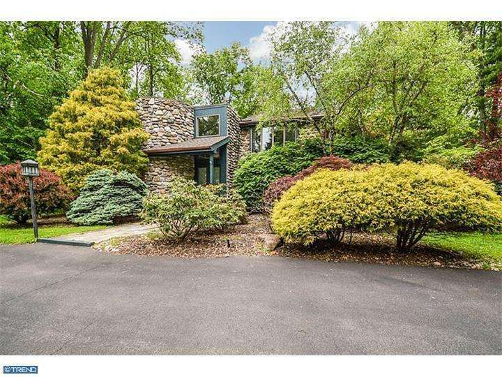 Custom Contemporary On 1 Acre In Meadowbrook Pa Mls 6395177 Mid Century Modern House Midcentury Modern Building A House