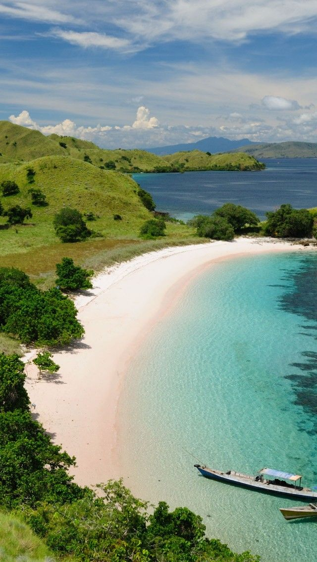 Komodo National Park Indonesia | HD iPhone Wallpapers ...