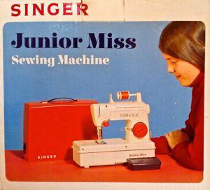 vintage 1973 collection machine coudre singer junior miss l jeux et jouets anciens pinterest. Black Bedroom Furniture Sets. Home Design Ideas
