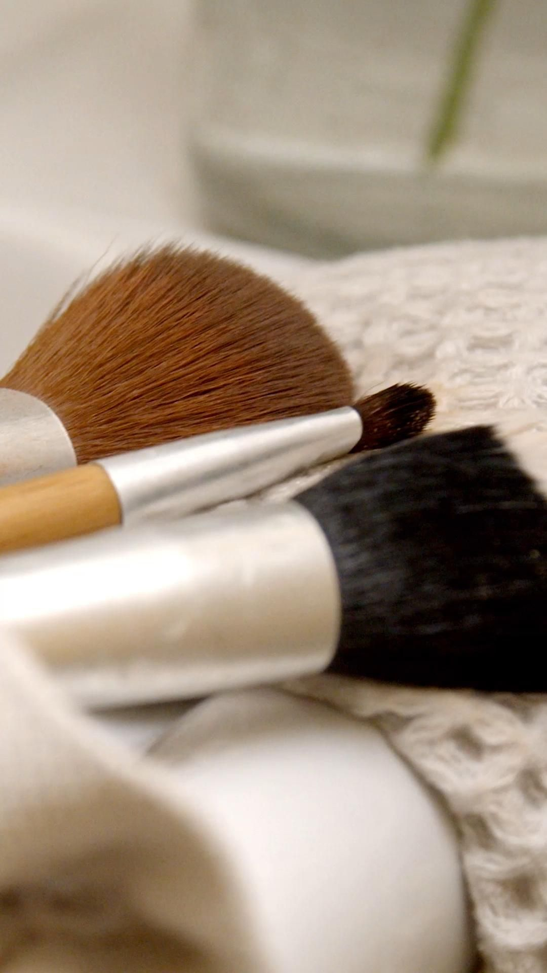 Photo of How to Clean Make-Up Brushes