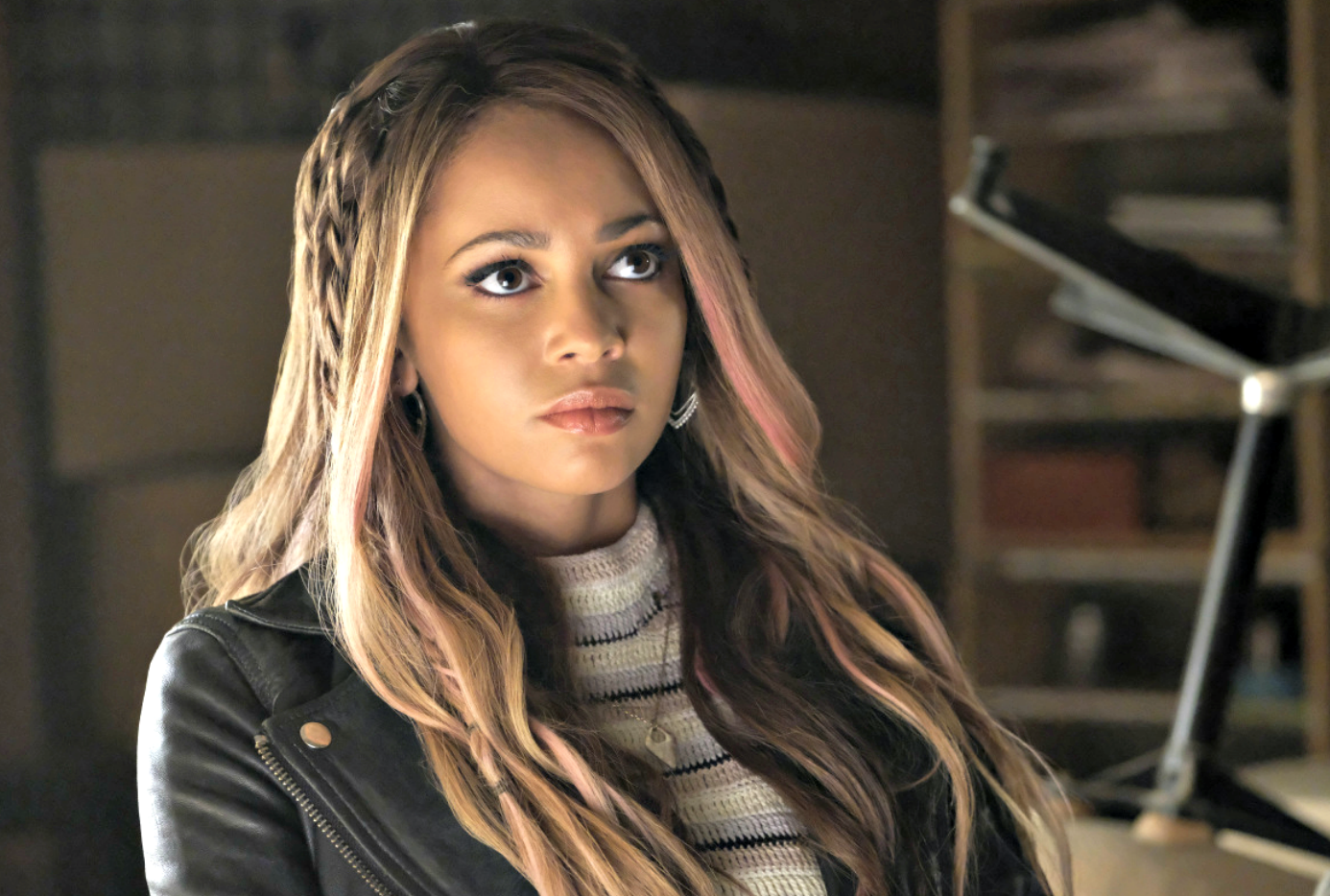 Toni Topaz Just Became The Most Important Person In Cheryl Blossom S Life On Riverdale Cheryl Blossom Vanessa Morgan Riverdale