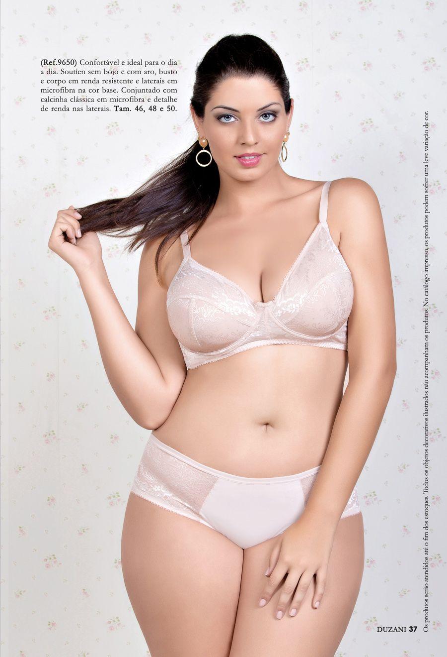 Plus size model Maria Luiza Mendes  c1e22d3009b